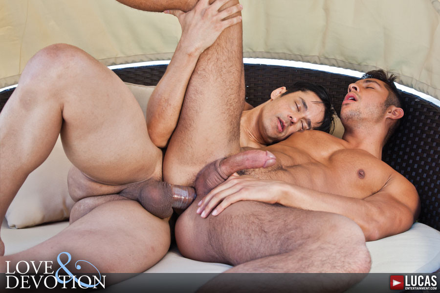 2 more bisexual guys and a babe and a strap on 9