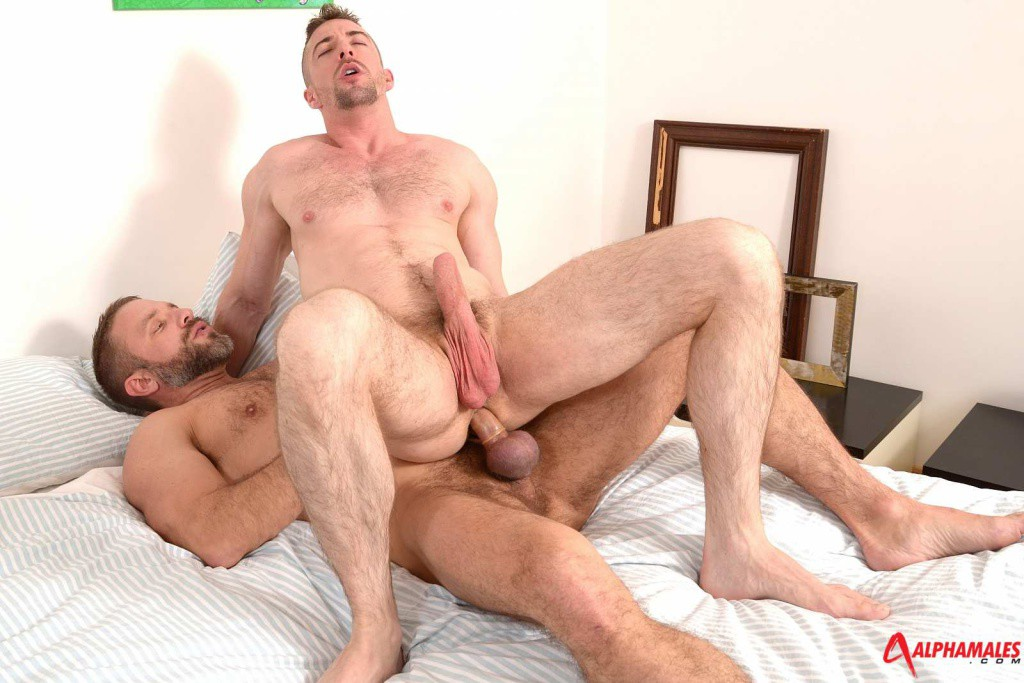 Tattoo Muscle Hunk Dominates Twink Gazoo With No