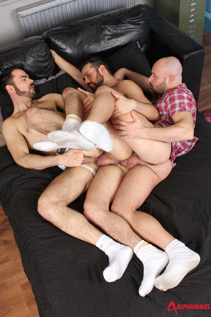 Male threesome chain