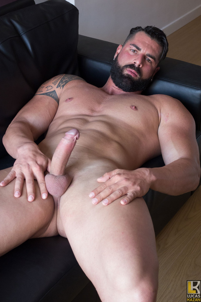 Nude italian guy
