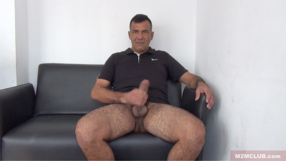 Gay Sex Bareback Big Punheta