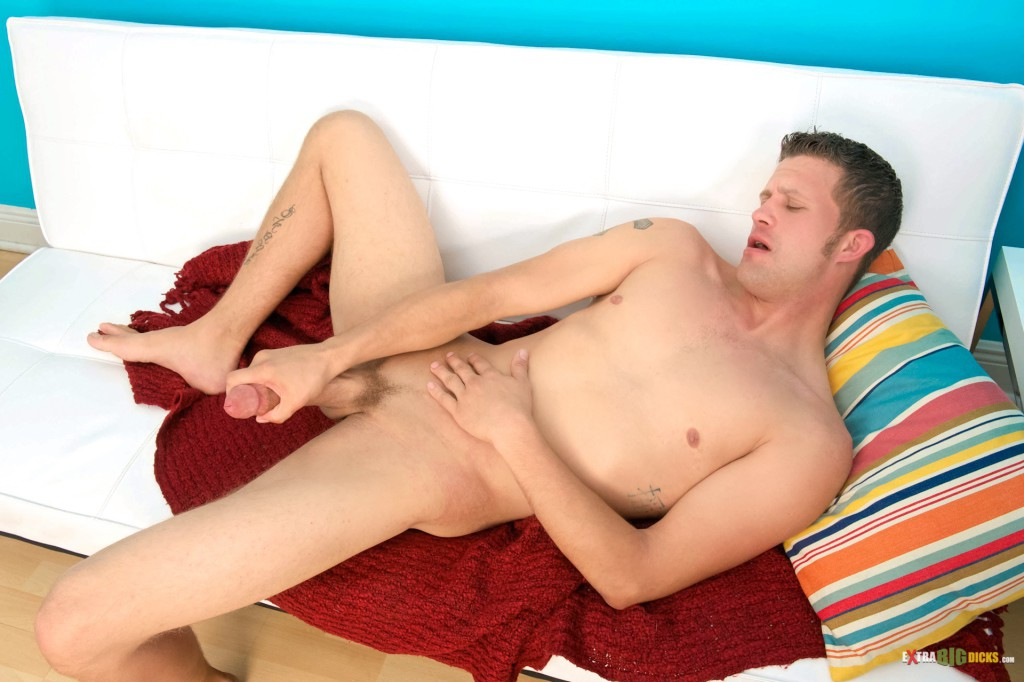 Midwestern Hunk Strokes His Long Cock