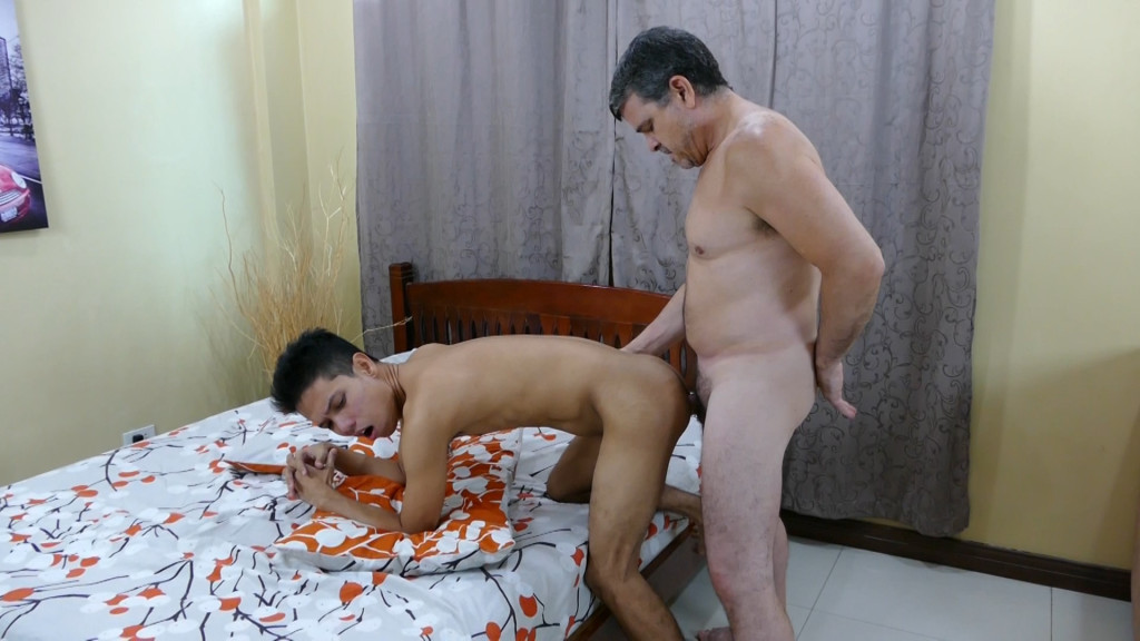 Asians Getting Anal 11