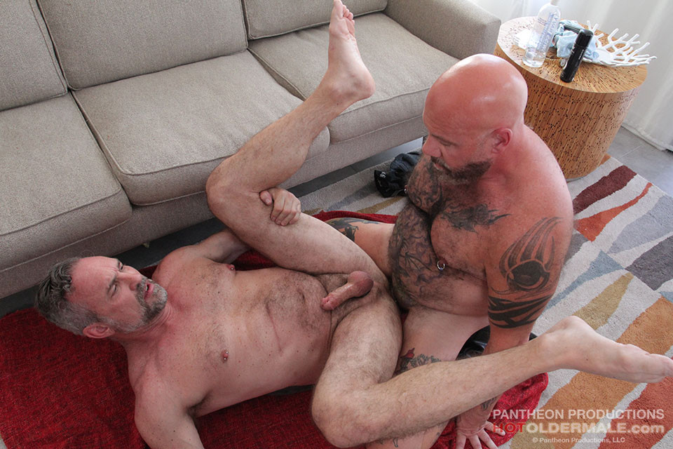 Hot amp rough daddy fucks younger black muscle guy hard 8