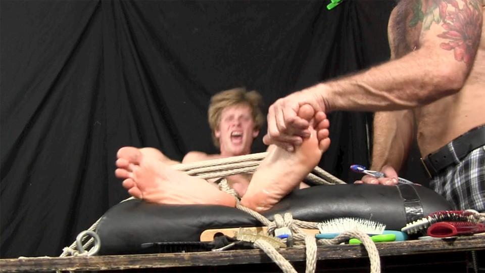 jason jones feet at tickled hard gaydemon