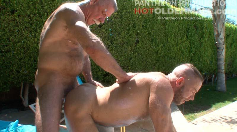 mature gay men videos free