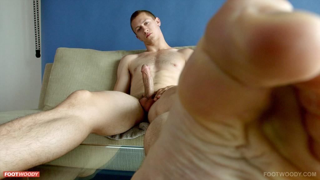 Josh Preston Shows His Sweaty Feet - Gaydemon-9385