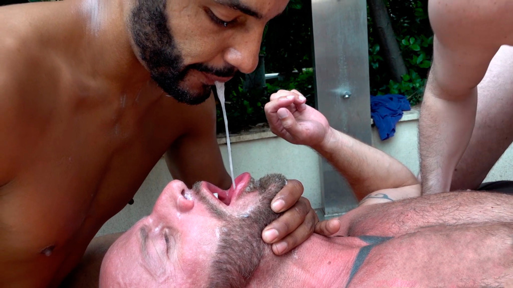 gay porno Spit telecamera nascosta porno