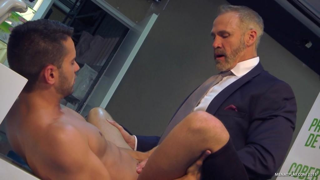 Men at play free porn
