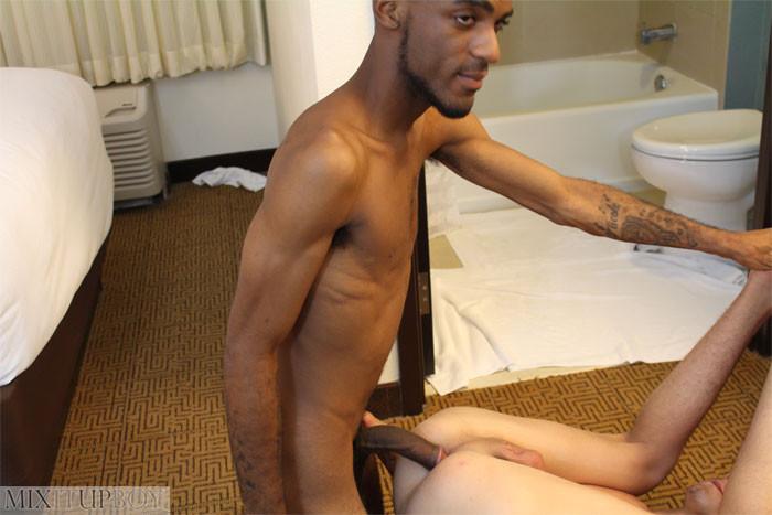 MILF porno massage