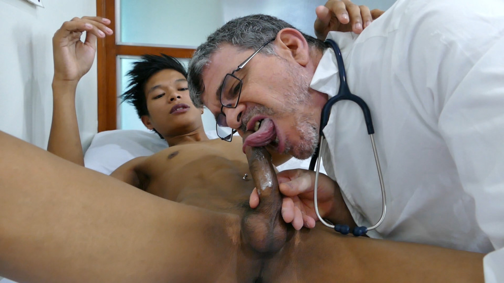 Clark Visits Doctor Daddy At Daddys Asians - Gaydemon-4922