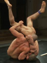 Video: DJ vs Chris Tyler at naked kombat