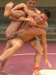 Video: dominic pacifico vs Alexander Gustavo at naked kombat