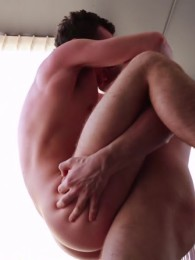 Video: Tobias James and Andrew Strong at cocky boys