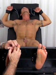Video: Hunky Derrick at My Friends' Feet