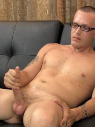 Video: straight guy with glasses masturbating