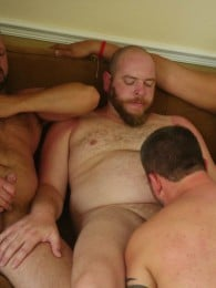 Video: 6 bear men fucking in hotel room