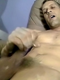 Video: Handsome bi guy Chad is new to porn