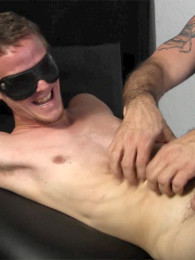 Video: straight guy Dixon tied up and tickled