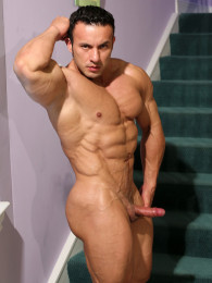 Video: Anton Buttone at muscle hunks