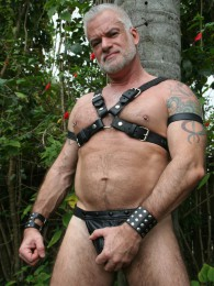 Video: Silver fox Jake Marshall in leather harness