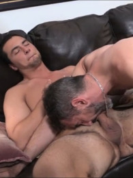 Video: blowing mark at new york straight men