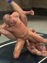 Video: tatum vs on eli hunter at naked kombat