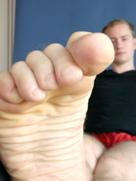 Video: gay thomas at foot woody