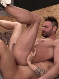 Video: ADAY TRAUN and MATEO STANFORD at hard kinks