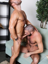 Video: JR Bronson bottoms for Marcus Isaacs at men over 30