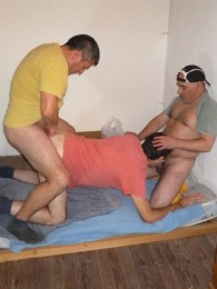 Video: horny spanish construction workers share a bottom