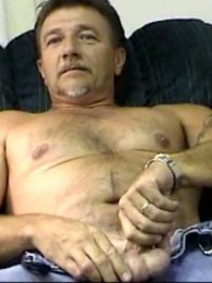 Video: trucker masturbates at workin men xxx