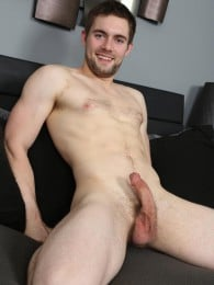 Video: sexy guy griffin masturbating