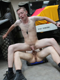 Video: soldiers Dylan and Olly fuck at uk hot jocks