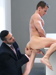 Video: ADAM CHAMP fucks dARIUS FERDYNAND at men at play