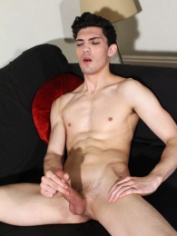 Video: Luke Tyler beating off at hard brit lads