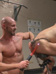 Video: Mitch Vaughn and Ivan Gregory at naked kombat
