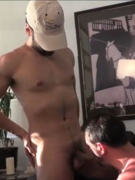 Video: blowing a straight hairy arab man