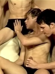 Video: Hot And Hard Twink Dick Threeway at jizz addiction