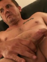 Video: Ronnie Jacks off and Cums quick
